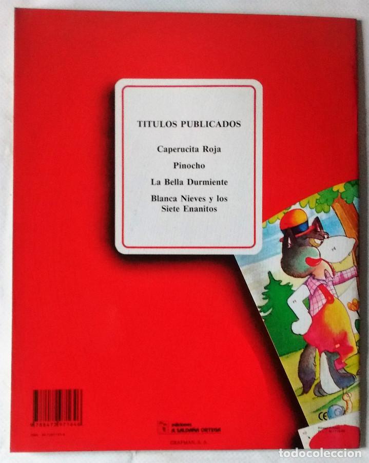 Libros de segunda mano: Caperucita Roja libro puzzle autoadhesivo Saldaña 1988 preciosos dibujos nuevo - Foto 2 - 85021860