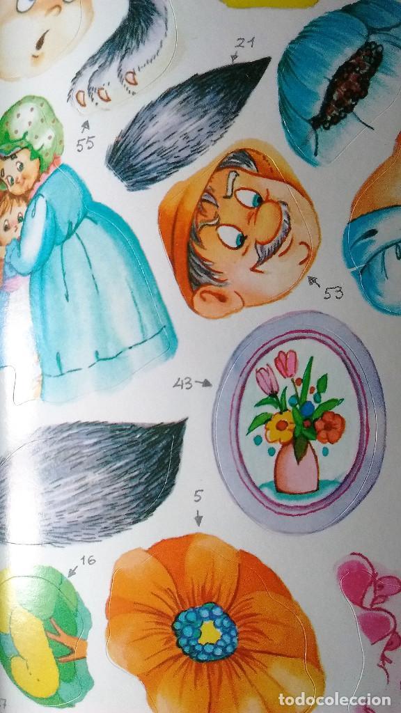 Libros de segunda mano: Caperucita Roja libro puzzle autoadhesivo Saldaña 1988 preciosos dibujos nuevo - Foto 3 - 85021860