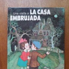 Libros de segunda mano: UNA VISITA A LA CASA EMBRUJADA, LIBRO DESPLEGABLE, POP UP, EDITORIAL NORMA, 1987. Lote 118854612