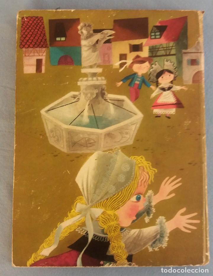 Libros de segunda mano: ANTIGUO LIBRO ILUSTRADO CUENTOS POPULARES SUIZOS EDITORIAL MOLINO ORIGINAL AÑO 1959 - Foto 2 - 89856392