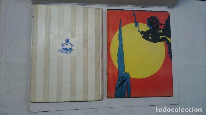 Libros de segunda mano: Lote de cuentos troquelados: El enanito pilongo (1948) - La cigüeña miope (1952) - Foto 2 - 90533150