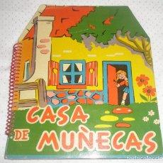 Libros de segunda mano: CASA DE MUÑECAS. CUENTO TROQUELADO Y DESPLEGABLE. ED. ROMA. 1959. MUY RARO. Y CON SUS RECORTABLES. Lote 91969805