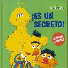 Libros de segunda mano: BARRIO SESAMO ES UN SECRETO RBA. Lote 101021867
