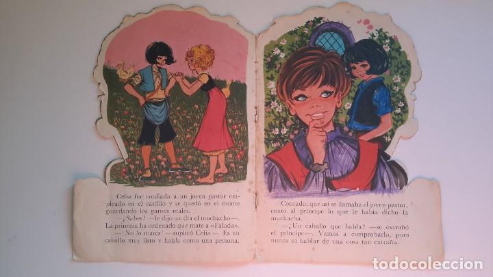 Libros de segunda mano: Cuento troquelado. La guardadora de gansos. Grimm. Il. Maria Pascual. Toray 1967. - Foto 3 - 108803079