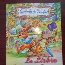 Libros de segunda mano: LA LIEBRE Y LA TORTUGA - FABULAS DE ESOPO - SERVILIBRO (O1). Lote 109441251