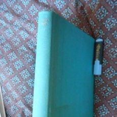 Libros de segunda mano: ALICIA ANOTADA - ALICIA EN EL PAÍS DE LAS MARAVILLAS - COMENTADO POR MARTIN GARDNER, AKAL 1984. Lote 110723831