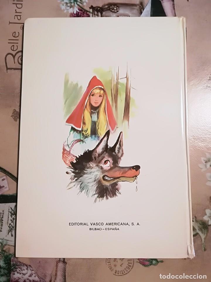 Libros de segunda mano: Caperucita Roja / La gallinita que sembró maíz - 1974 - Foto 2 - 124214375