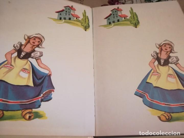 Libros de segunda mano: Caperucita Roja / La gallinita que sembró maíz - 1974 - Foto 3 - 124214375