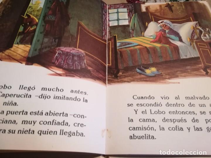 Libros de segunda mano: Caperucita Roja / La gallinita que sembró maíz - 1974 - Foto 4 - 124214375