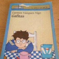 Libros de segunda mano: GAFITAS CARMEN VÁZQUEZ VIGO 1994 SM. Lote 125828959