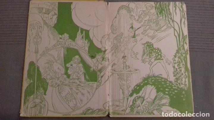 Libros de segunda mano: El agua milagrosa y los dos aprendices. 1a ed 1938. Hermanos Grimm. Ed Molino. Dibujos FREIXAS. - Foto 2 - 126069967
