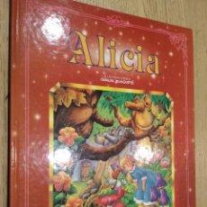Libros de segunda mano: ALICIA. ILUSTRACIONES DE CARLOS BUSQUETS. EDICIONES SALDAÑA. 1997. Lote 133684726