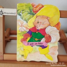 Libros de segunda mano: EL GATO CON BOTAS. Lote 136735086