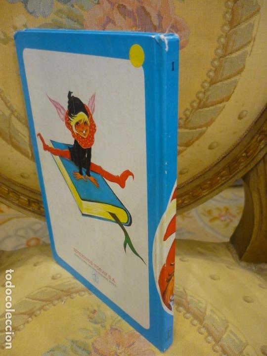Libros de segunda mano: CUENTOS AZULES. TOMO 1. ILUSTRADO POR MARÍA PASCUAL. TORAY 1.982. - Foto 2 - 143779322