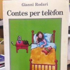 Libros de segunda mano: GIANNI RODARI. CONTES PER TELÈFON. TRAD. TERESA DURAN. IL·LUSTR. JORDI SALUDES. JOVENTUT, BCN 1989.. Lote 144746648