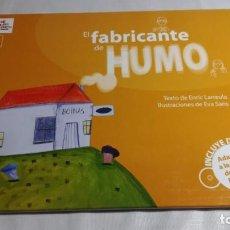Libros de segunda mano: EL FABRICANTE DE HUMO - COLECCIÓN CARAMBUCO - ADAPTADO LENGUA SIGNOS ESPAÑOLA + DVD. Lote 144999610