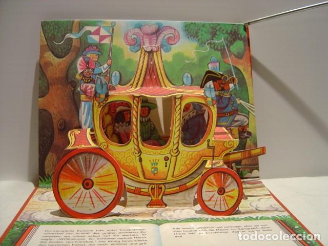 Libros de segunda mano: DER GESTIEFELTE KATER - EL GATO CON BOTAS - POP UP KUBASTA - AVENTINUM PRAGA 1991 - Foto 4 - 147223082