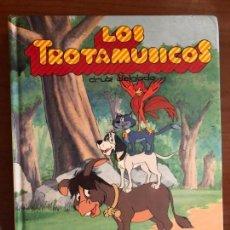 Libros de segunda mano: LOS TROTAMUNDOS: LA FUGA DE KOKY - ATRACO EN EL BOSQUE - CASA DE FANTASMAS. Lote 156796974