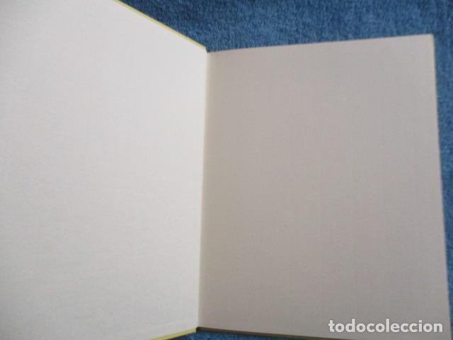 Libros de segunda mano: historia de los bonobos con gafas - adela turin - ilustraciones nella bosnia - 1ª ed. MUY BUEN ESTAD - Foto 6 - 263109290