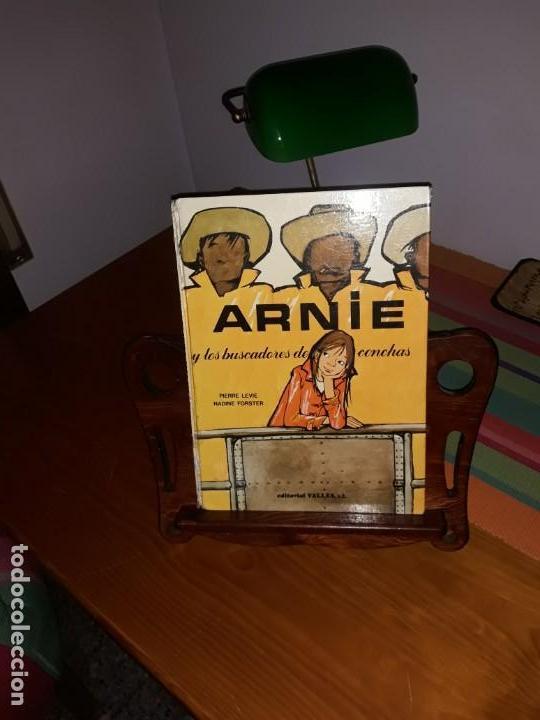 ARNIE Y LOS BUSCADORES DE CONCHAS ILUSTRACIONES DE NADINE FORSTER 1970*** (Libros de Segunda Mano - Literatura Infantil y Juvenil - Cuentos)