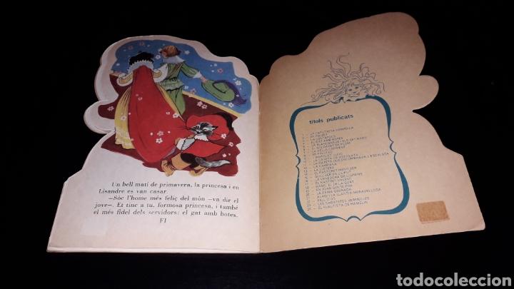 Libros de segunda mano: *El Gat amb Botes* Cuento troquelado en *CATALÁN*, María Pascual, Toray, Barcelona, año 1977. - Foto 4 - 160558162