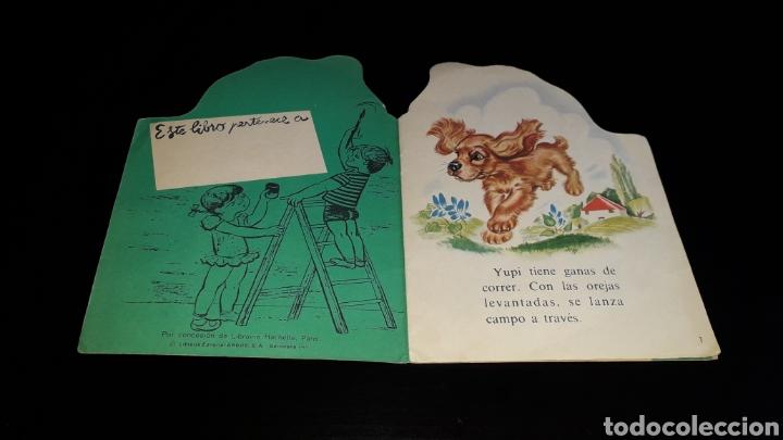 Libros de segunda mano: *Perrito Yupi y Carolina* Cuento troquelado, Pierre Probst, Argos, Barcelona, año 1969. - Foto 2 - 160567030