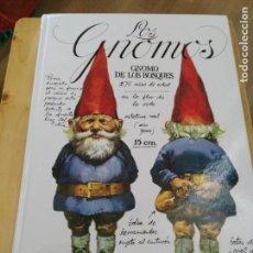 Libros de segunda mano: LOS GNOMOS - GNOMOS DE LOS BOSQUES - TEXTO WIL HUJGEN ILUSTRADO RIEN POORTVLIET TAPA DURA- NUEVO. Lote 162464884