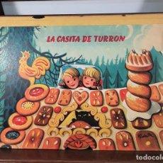 Libros de segunda mano: CUENTO ANIMADO. LA CASITA DE TURRÓN. PUBLISHERS BANCROFT Y CO. LONDON. 1967.. Lote 168066000