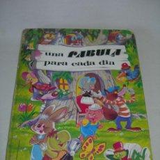 Libros de segunda mano: BONITO LIBRO INFANTIL UNA FÁBULA PARA CADA DÍA - COLECCIÓN 365 - EDICIONES SUSAETA 1983 -. Lote 252259115