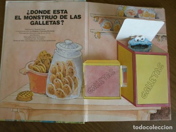 Libros de segunda mano: CUENTO POP-UP ¿ DÓNDE ESTÁ EL MONSTRUO DE LAS GALLETAS ? - COLECCIÓN BARRIO SÉSAMO - ED. MONTENA. - Foto 2 - 171702855