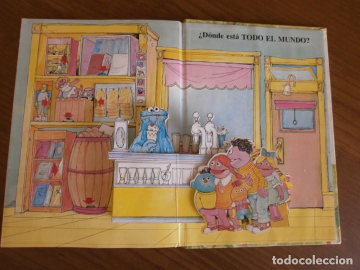 Libros de segunda mano: CUENTO POP-UP ¿ DÓNDE ESTÁ EL MONSTRUO DE LAS GALLETAS ? - COLECCIÓN BARRIO SÉSAMO - ED. MONTENA. - Foto 9 - 171702855