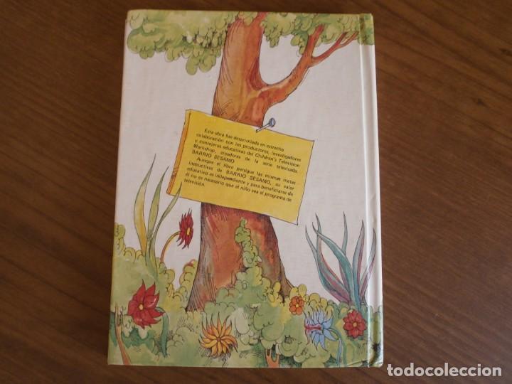 Libros de segunda mano: CUENTO POP-UP ¿ DÓNDE ESTÁ EL MONSTRUO DE LAS GALLETAS ? - COLECCIÓN BARRIO SÉSAMO - ED. MONTENA. - Foto 10 - 171702855