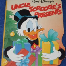 Libros de segunda mano: UNCLE SCROOGE'S PRESENTS - WALT DISNEY - TWIN BOOKS (1989). Lote 172312512