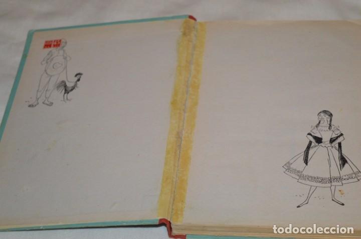 Libros de segunda mano: ANTOÑITA la FANTÁSTICA, en MÉXICO, por Borita Casas - 1ª Edición 1957 - ¡Buen estado! - ¡Mira! - Foto 2 - 174985562