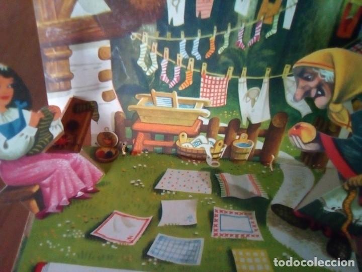 Libros de segunda mano: BONITO PO-UP HOFEHERKE BLANCANIEVES V. KUBASTA ARTIA 1961 PRAGUE EN CHECOSLOVACO - Foto 8 - 179174285