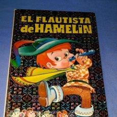 Libros de segunda mano: EL FLAUTISTA DE HAMELIN COLECCION BUENAS NOCHES EDITORIAL BRUGUERA AÑO 1971 ORIGINAL. Lote 180473106