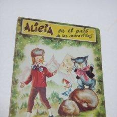 Libros de segunda mano: CUENTO ALICIA EN EL PAIS DE LAS MARAVILLAS. EDITORIAL INFANTIL. COLECCIÓN PERIQUITO. BARCELONA. RARO. Lote 183281132