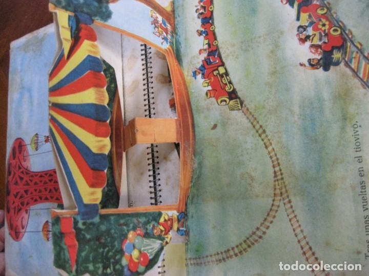 Libros de segunda mano: precioso cuento animado pop up diorama desplegable . dia de fiesta ed cervantes - Foto 5 - 183390456