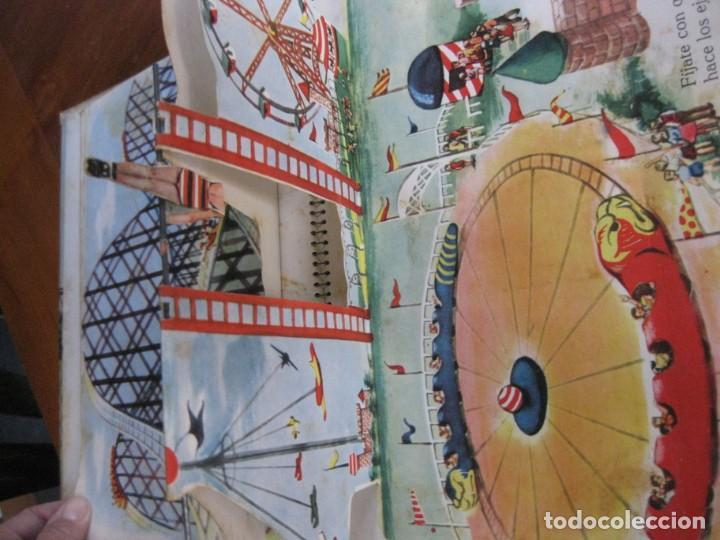 Libros de segunda mano: precioso cuento animado pop up diorama desplegable . dia de fiesta ed cervantes - Foto 6 - 183390456