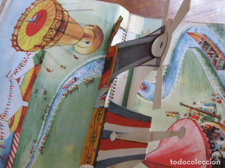 Libros de segunda mano: precioso cuento animado pop up diorama desplegable . dia de fiesta ed cervantes - Foto 9 - 183390456