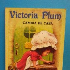 Libros de segunda mano: VICTORIA PLUM CAMBIA DE CASA. ANGELA RIPPON. PUBLICACIONES GAMA, S.A.. Lote 194693850