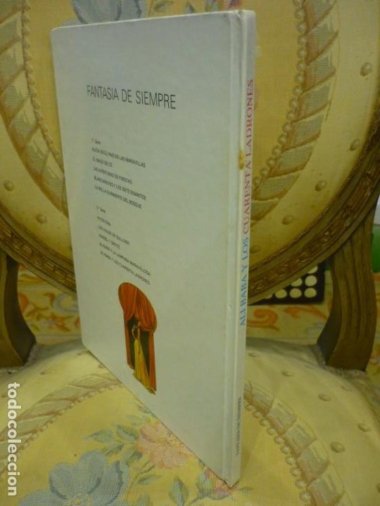 Libros de segunda mano: ALÍ BABÁ Y LOS CUARENTA LADRONES. COLECCIÓN FANTASÍA DE SIEMPRE, EDITORIAL JUNIOR-GRIJALBO 1.982. - Foto 2 - 194895572
