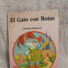 Libros de segunda mano: EL GATO CON BOTAS. COLECCION PRIMAVERA. EDICIONES SALDAÑA ORTEGA. Lote 195075521