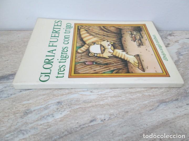 Libros de segunda mano: GLORIA FUERTES. TRES TIGRES CON TRIGO. DIBUJOS ANGEL ESTEBAN. EDITORIAL YUBARTA 1979 - Foto 2 - 195088406