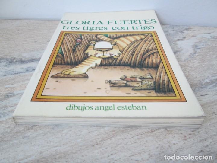 Libros de segunda mano: GLORIA FUERTES. TRES TIGRES CON TRIGO. DIBUJOS ANGEL ESTEBAN. EDITORIAL YUBARTA 1979 - Foto 3 - 195088406