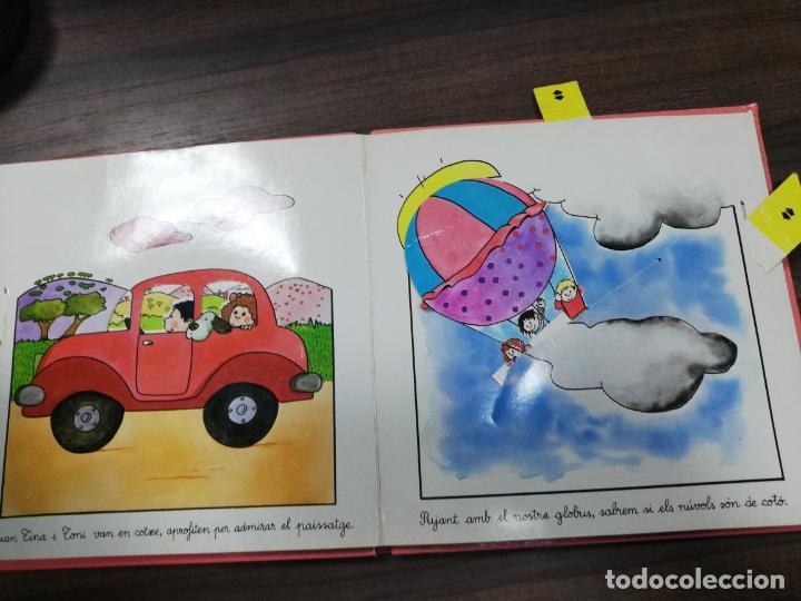 Libros de segunda mano: ELS TRANSPORTS. TINA I TONI. EDICIONS BEASCOA, 1989. CUENTO TROQUELADO. VER FOTOS. - Foto 3 - 195367920
