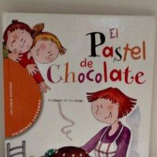 Libros de segunda mano: LIBRO PARA PRIMEROS LECTORES EL PASTEL DE CHOCOLATE. CÍRCULO DE LECTORES. Lote 196660253