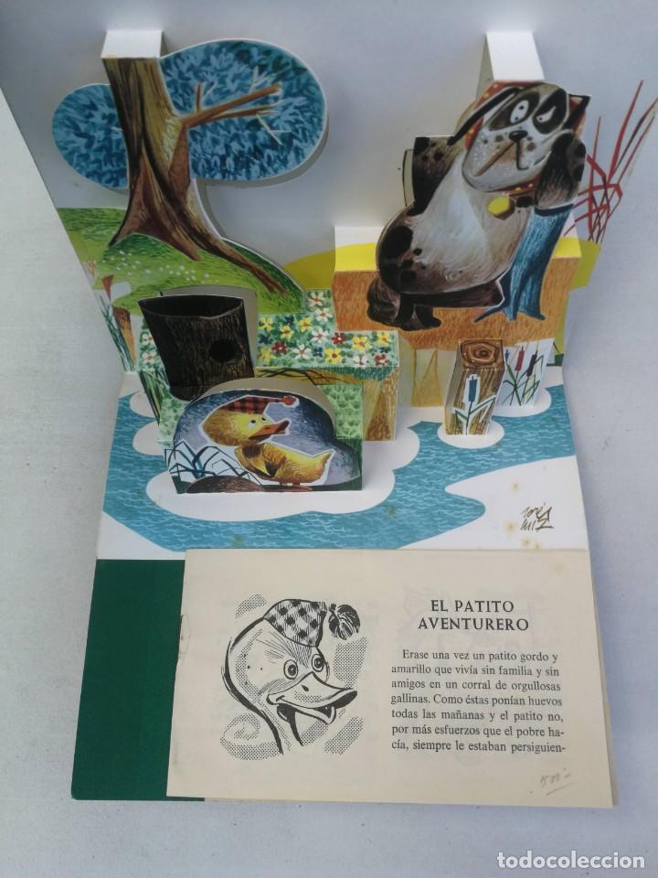 Libros de segunda mano: ANTIGUO Y BONITO CUENTO EL PATITO AVENTURERO CON DIORAMA - COLECCION BUHITO - 1962 - EDICIONES GAISA - Foto 2 - 203835690