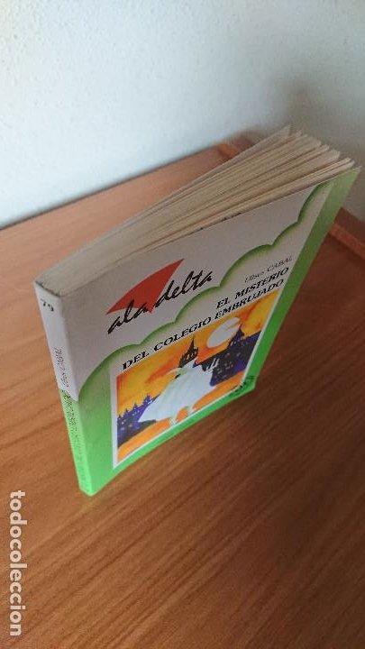 Libros de segunda mano: Una colgada al cuello y otros cuentos ;Charlie y la fábrica de chocolate; El misterio del colegio em - Foto 9 - 204542190