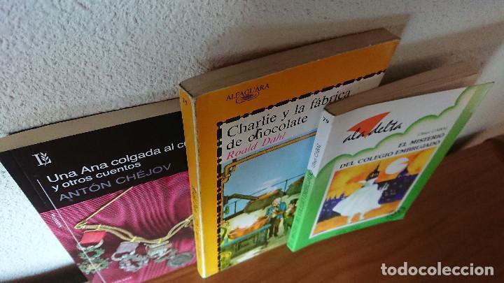 Libros de segunda mano: Una colgada al cuello y otros cuentos ;Charlie y la fábrica de chocolate; El misterio del colegio em - Foto 2 - 204542190
